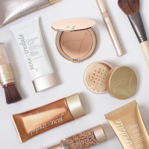 foundation-flat-lay